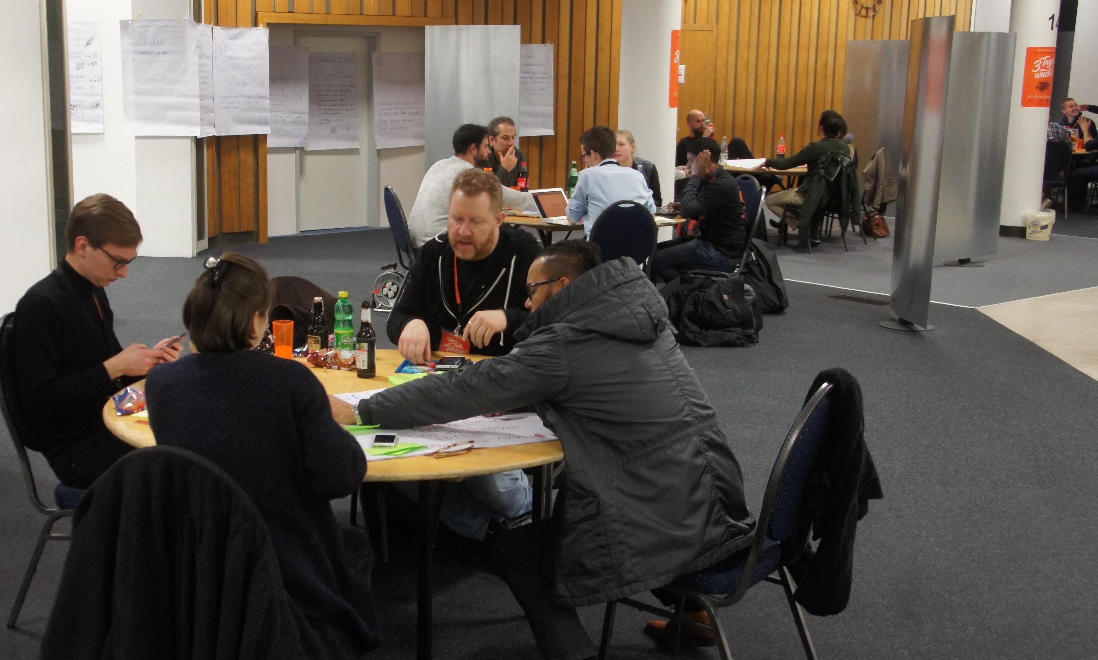 Beginn der Arbeitsphase beim Startup Weekend Bielefeld 2017