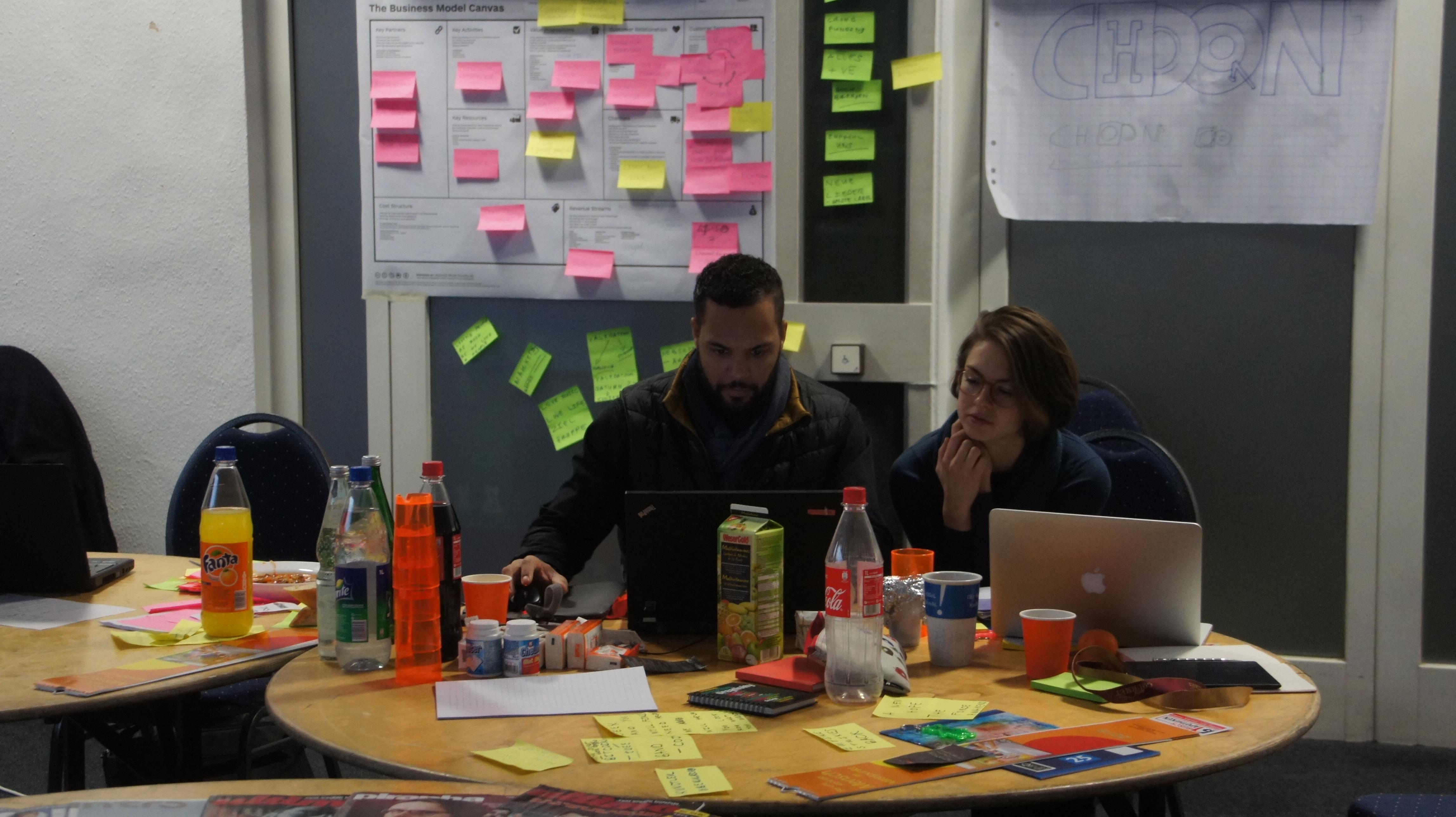 Planung beim Startup Weekend Bielefeld mit Business Canvas